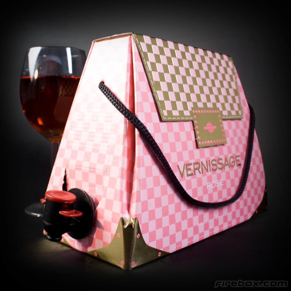 sac main cubi de vin id e cadeau sur ilokdo. Black Bedroom Furniture Sets. Home Design Ideas